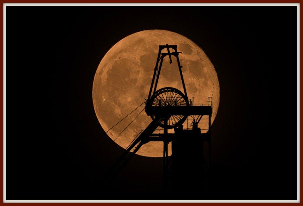 Super moon mine by ellida