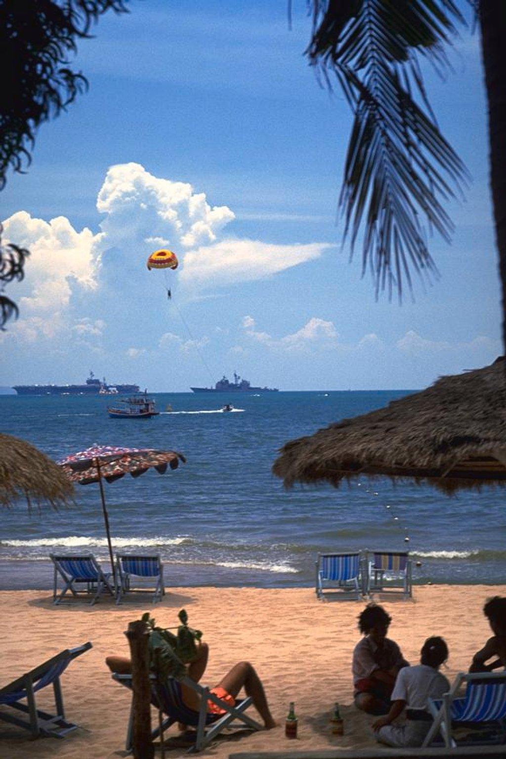 89 US Navy Off Pattaya, Thailand by travel