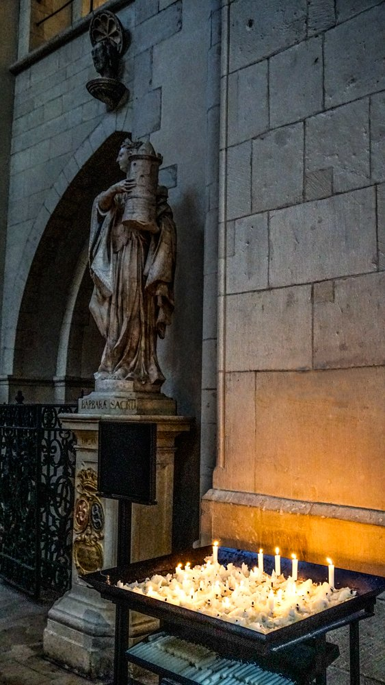 Candles in Muenster cathedral by ivan