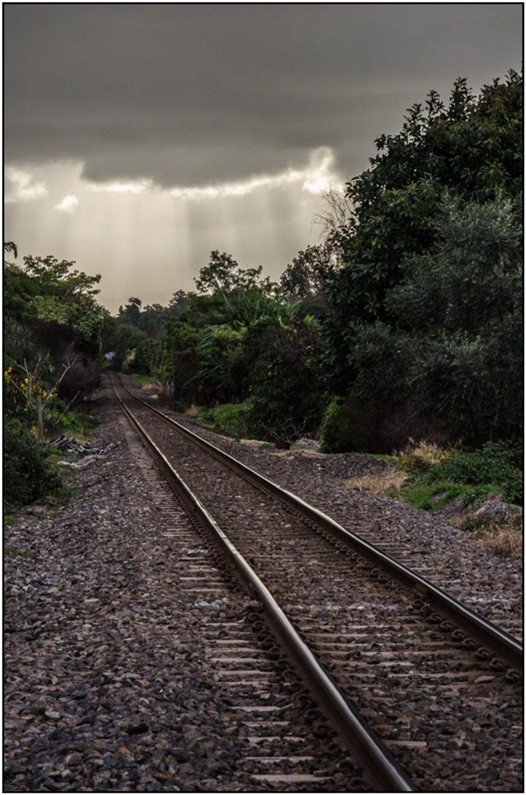 Railway Line by chikadnz