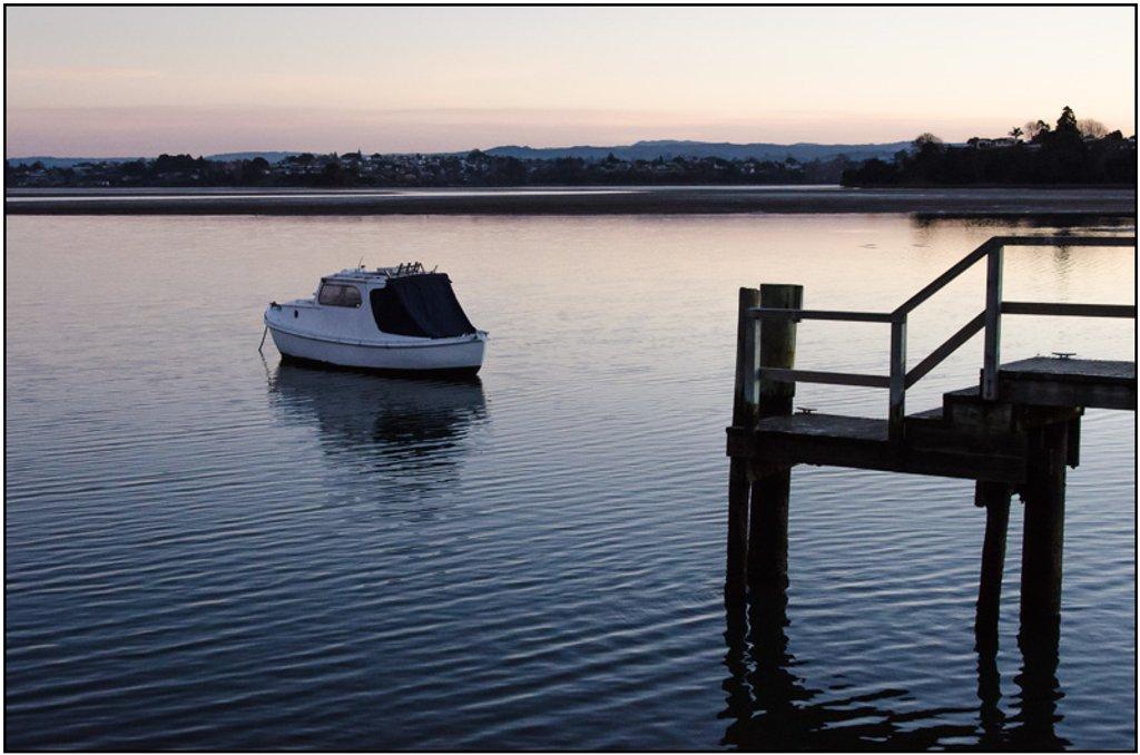 Estuary Sunset by chikadnz