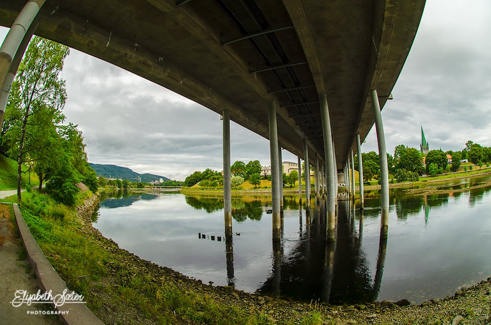 Under the bridge with fisheye by elisasaeter