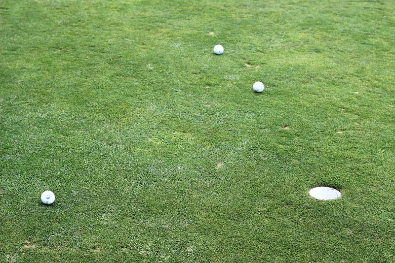 2018 09 17 Putting Green by kwiksilver