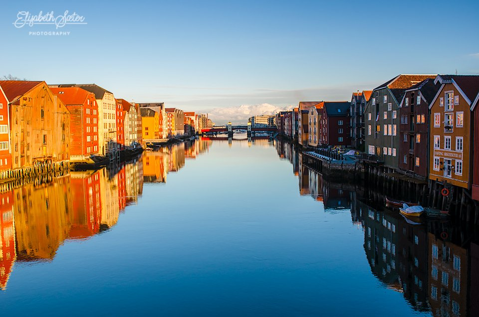The piers in Trondheim by elisasaeter