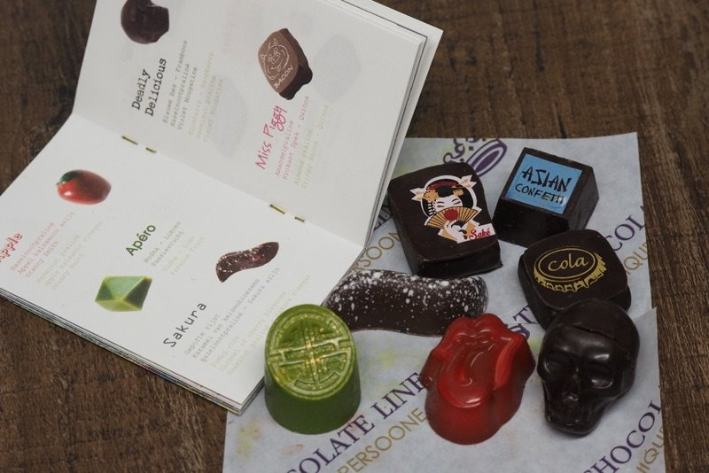 The Chocolate Line - Brugge by bizziebeeme