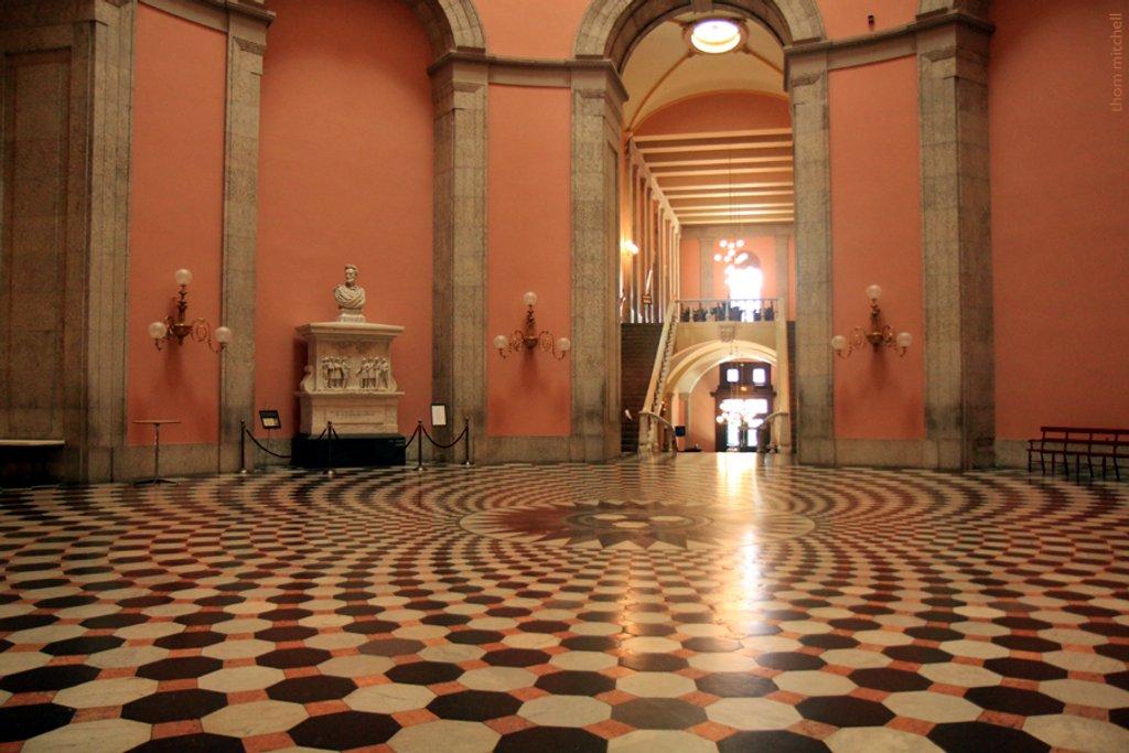 Ohio Statehouse Rotunda by rhoing