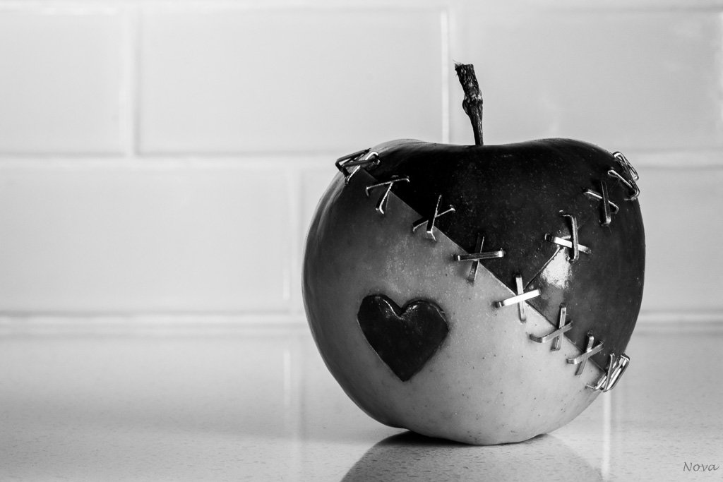 An apple a day for 7 days - Day 6 by novab