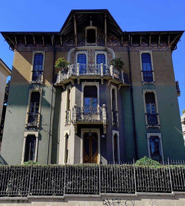 Green facade by caterina
