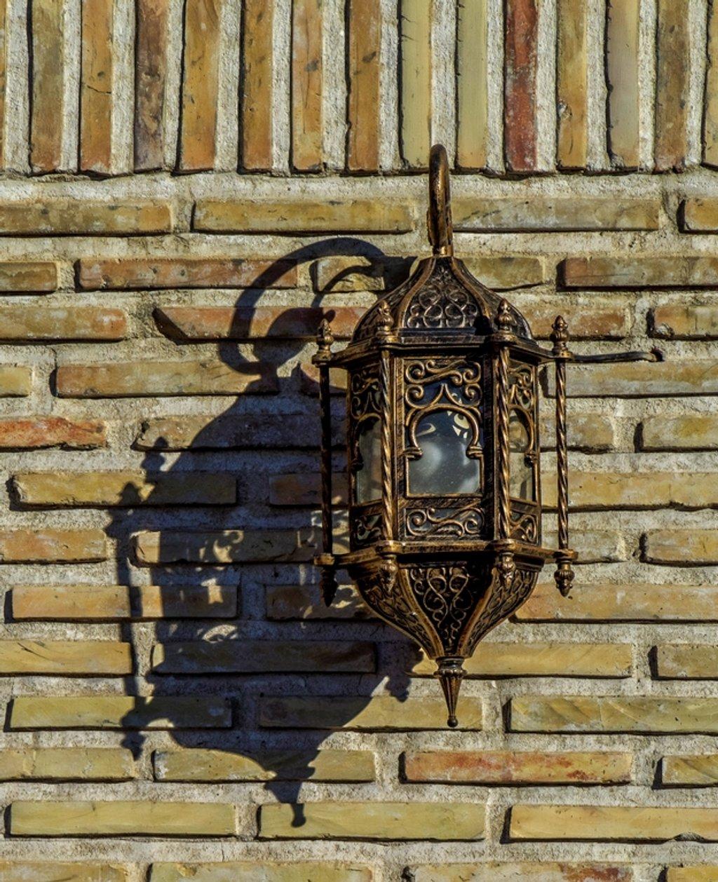 058 - Wall Light by bob65