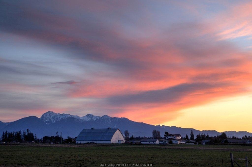 Sequim Sunset - Normal by byrdlip