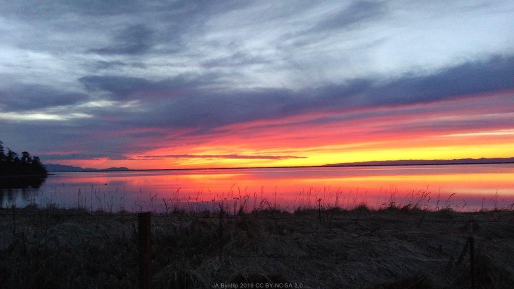 Strait of Juan de Fuca Sunset by byrdlip