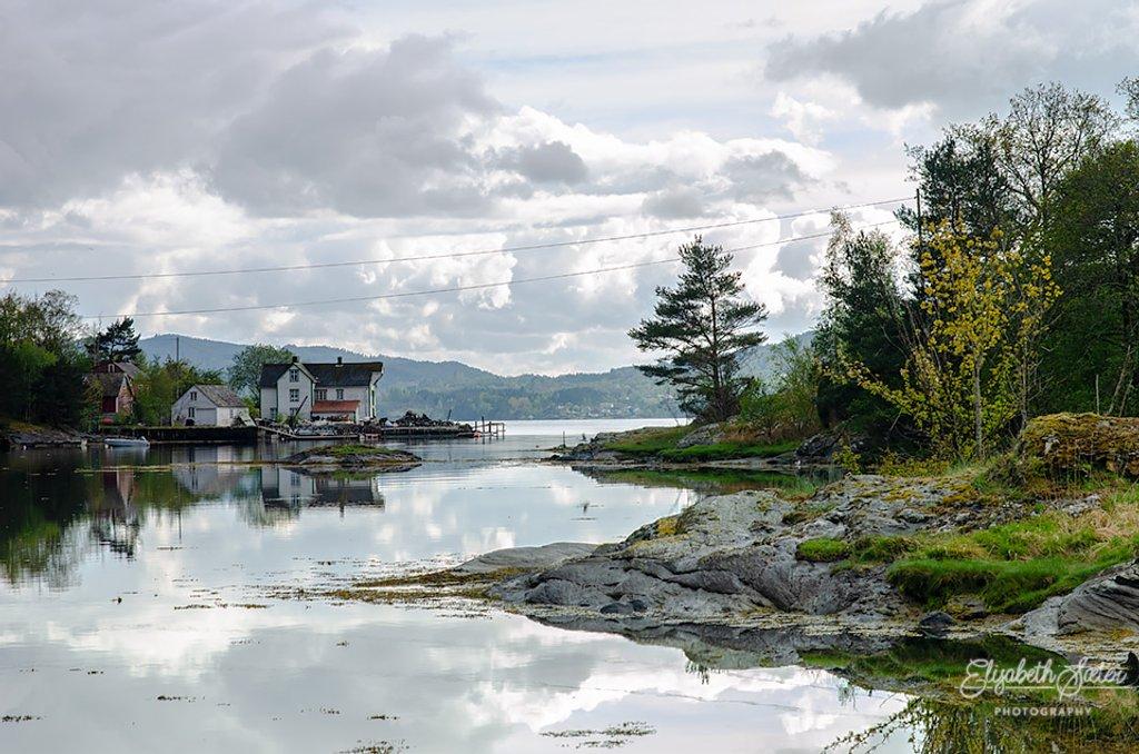 Varaldsøy 2 by elisasaeter
