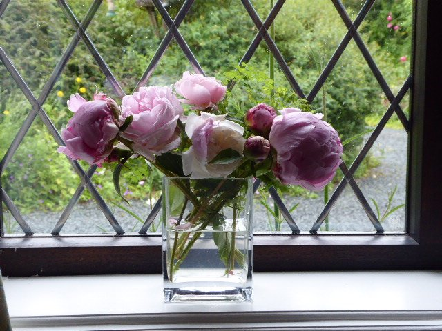 Roses and Peonies.. by snowy