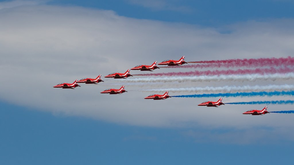 Red Arrows by leonbuys83