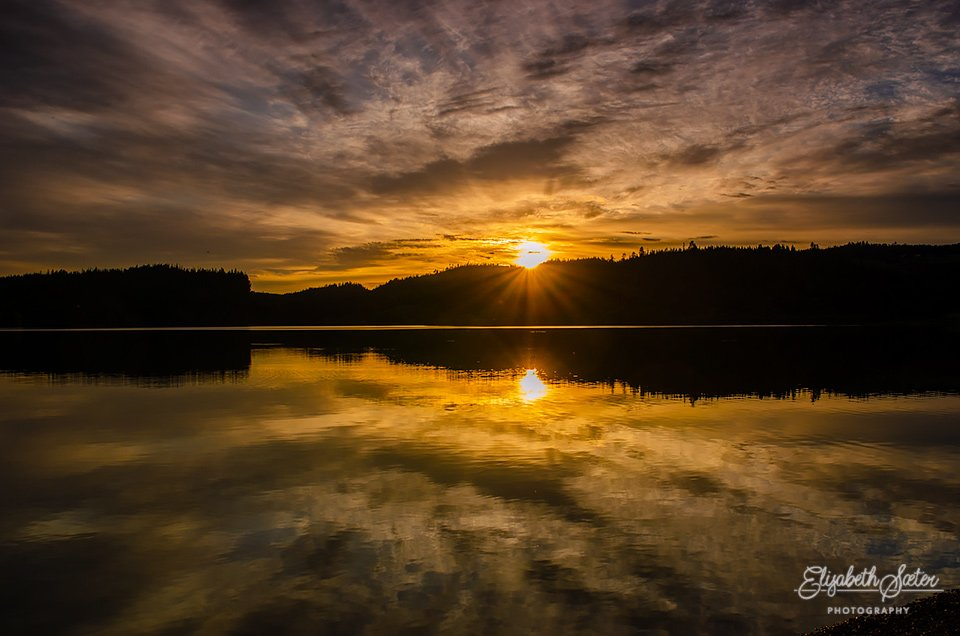 Sunset on Svorksjøen 3 by elisasaeter