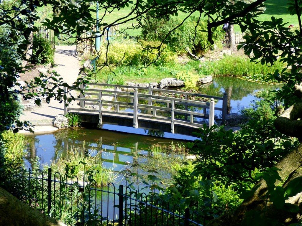Japanese Garden, Avenham Park, Preston by fishers