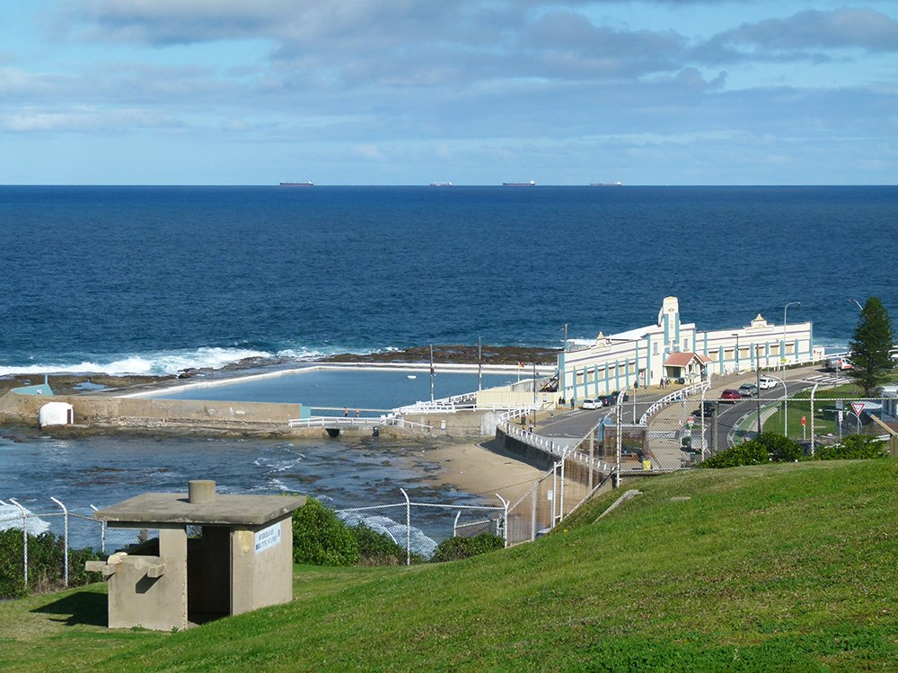 Newcastle Ocean Baths by onewing