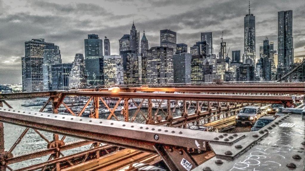 Brooklyn Bridge - a photographer's dream!  by lyndamcg