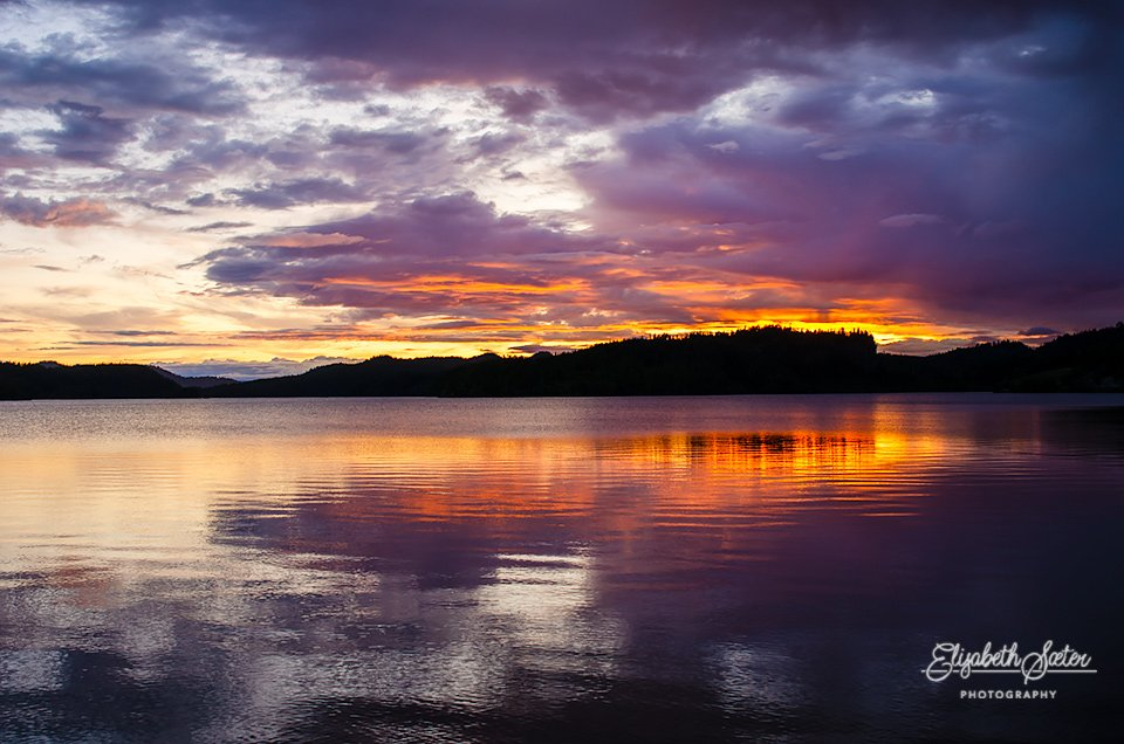 Sunset on Svorksjøen 3 by elisasaeter