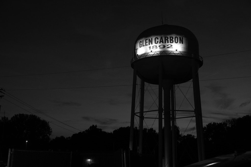 Glen Carbon Water Tower - B&W by lsquared