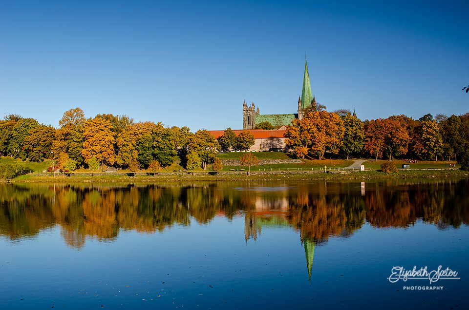 Autumn along the Nidelva by elisasaeter
