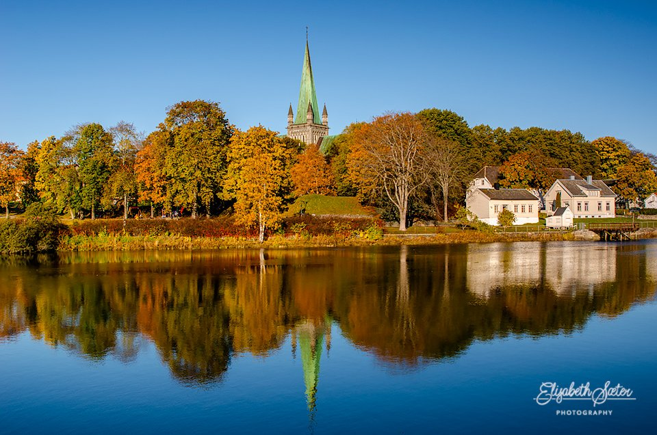 More autumn along the Nidelva by elisasaeter