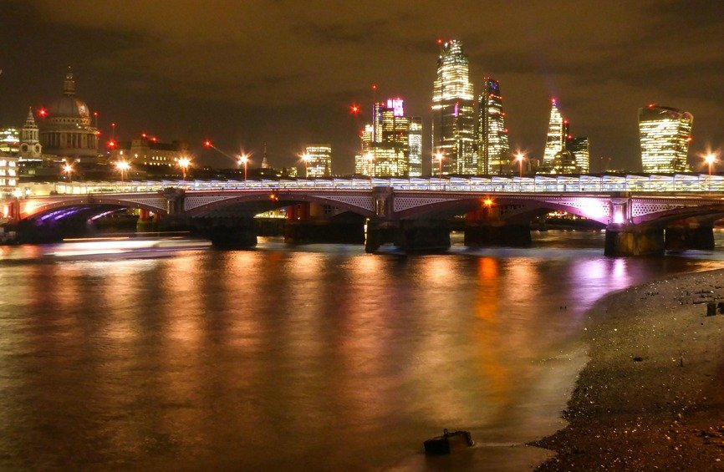 Blackfriars at Night by helenhall