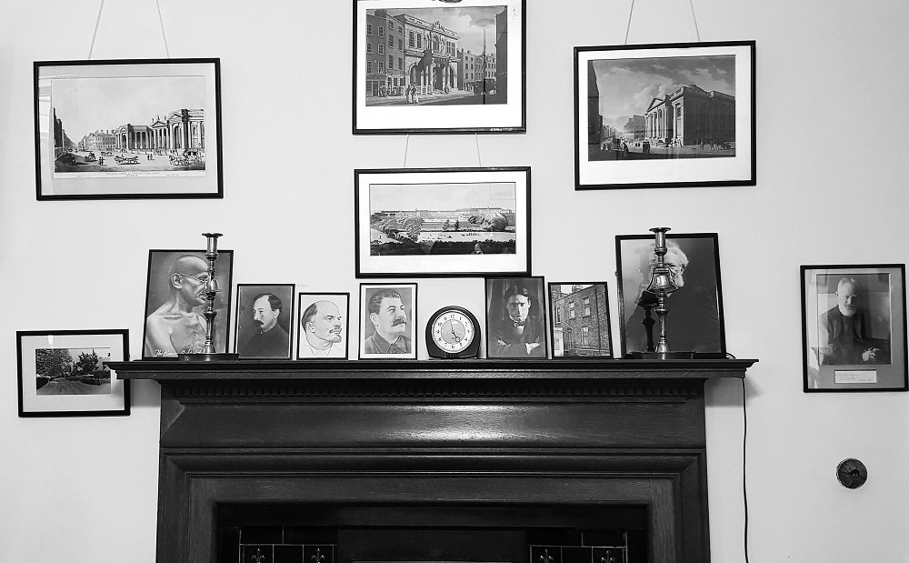 Shaw's  mantlepiece by helenhall