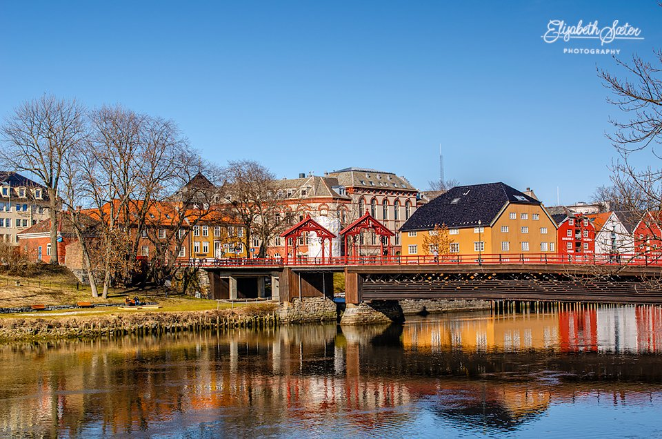 The old city bridge and the piers by elisasaeter