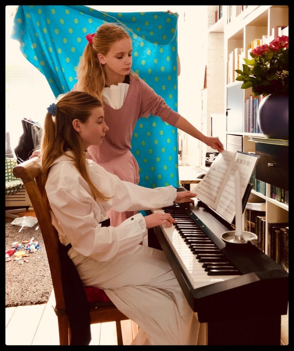 Jeunes filles au piano by gijsje