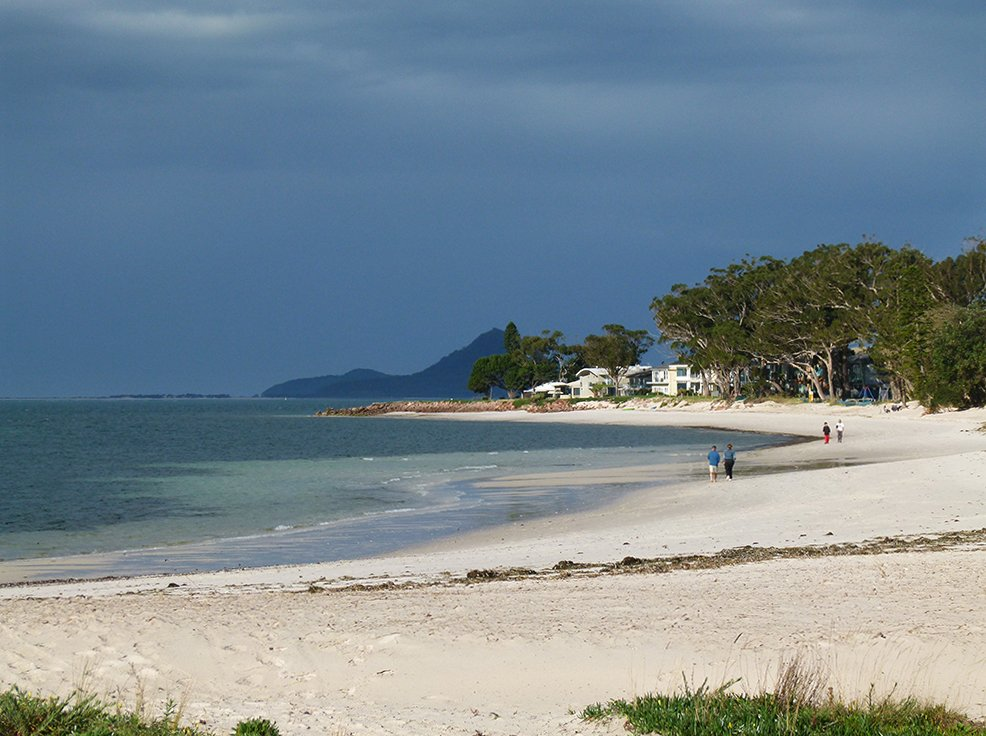 Corlette Beach by onewing