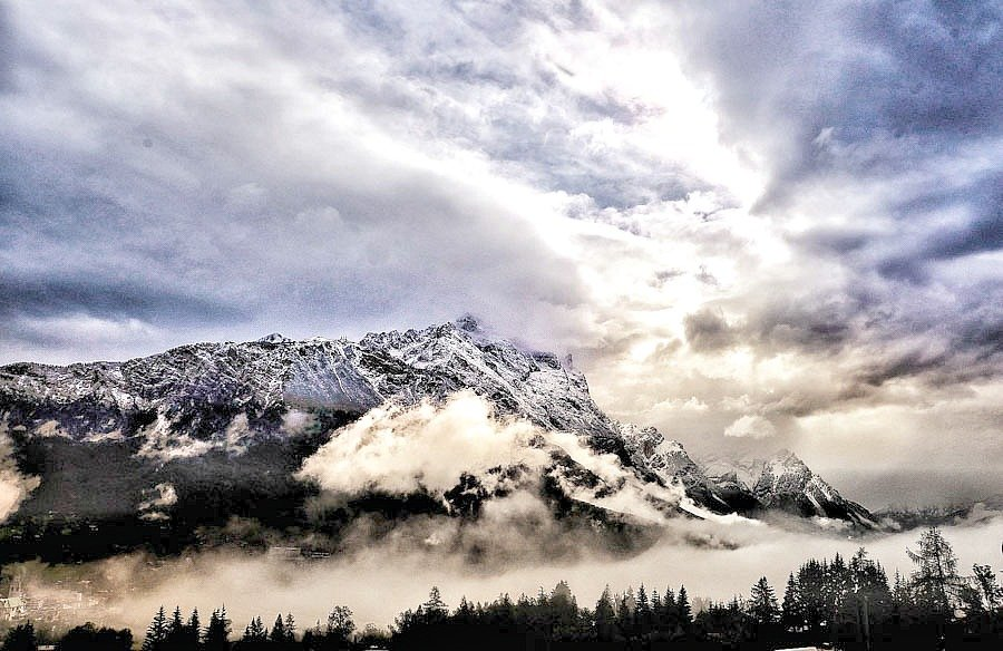 Clouds all over the valley  by caterina