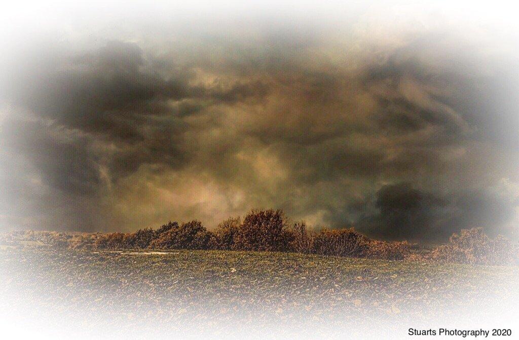 Menacing looking sky  by stuart46