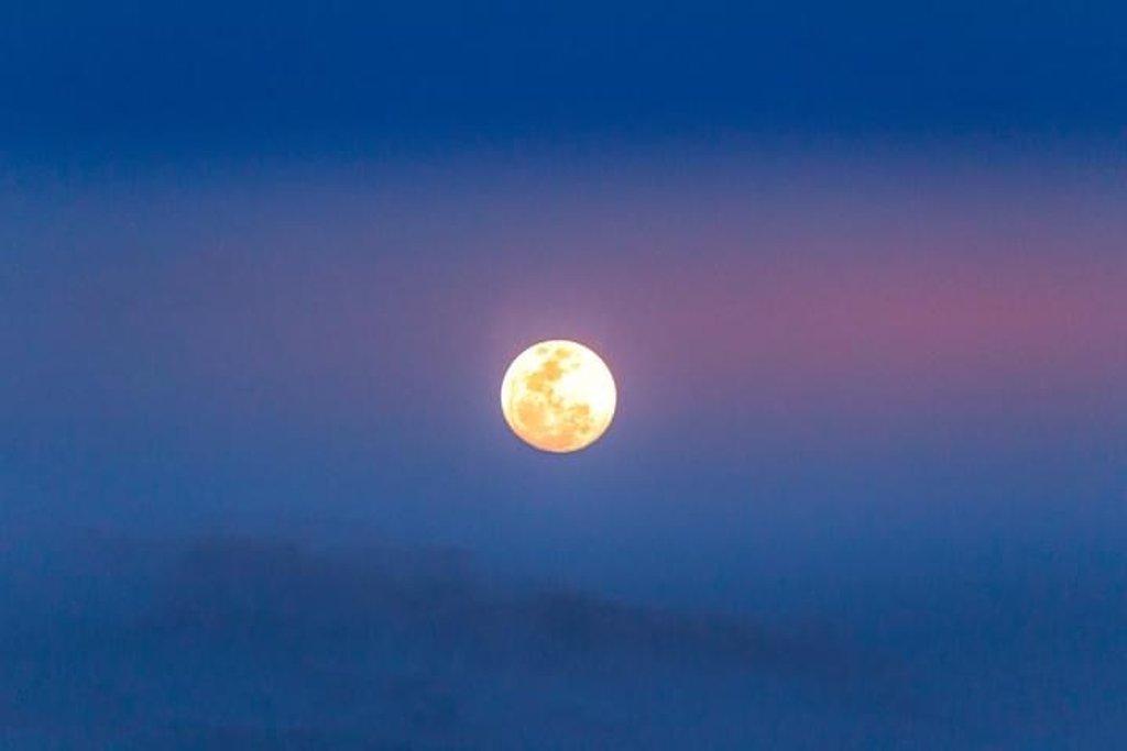 Full Moon  by zambianlass