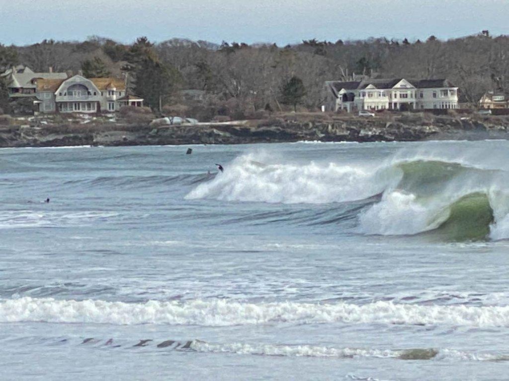Tough waves by joansmor