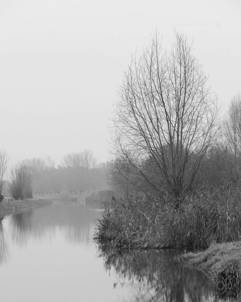 River bw by leonbuys83