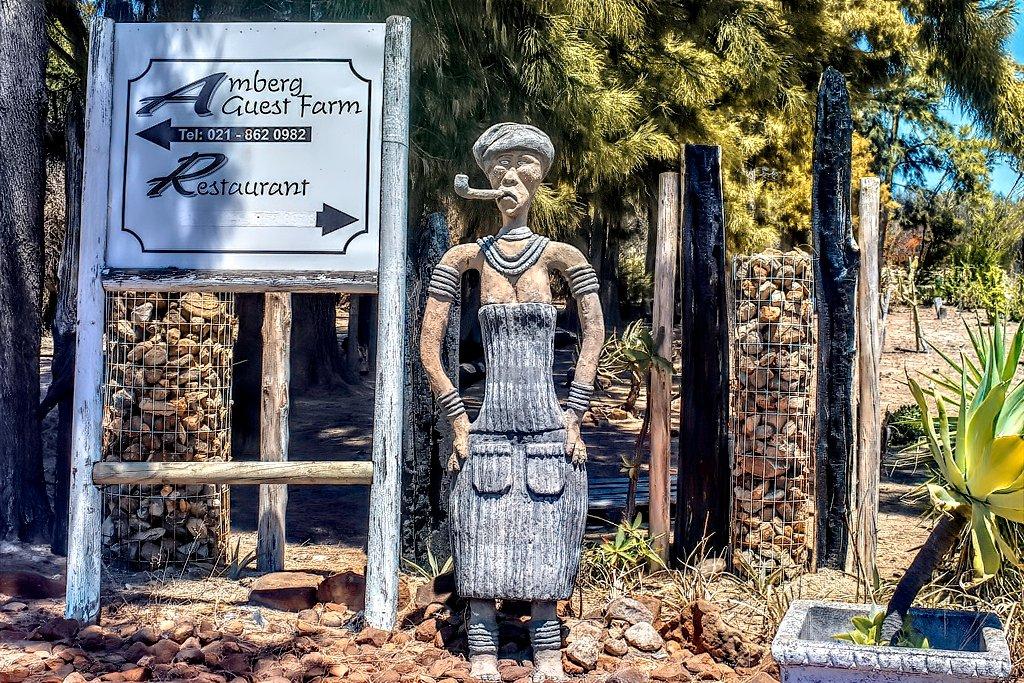 Fun entrance  by ludwigsdiana