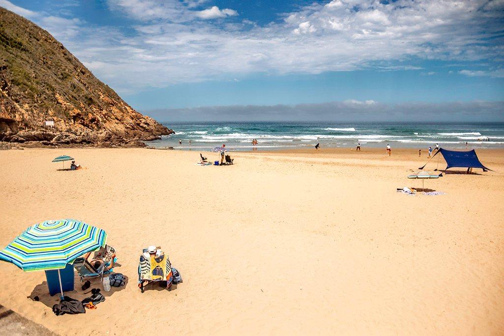A lazy beach day by ludwigsdiana