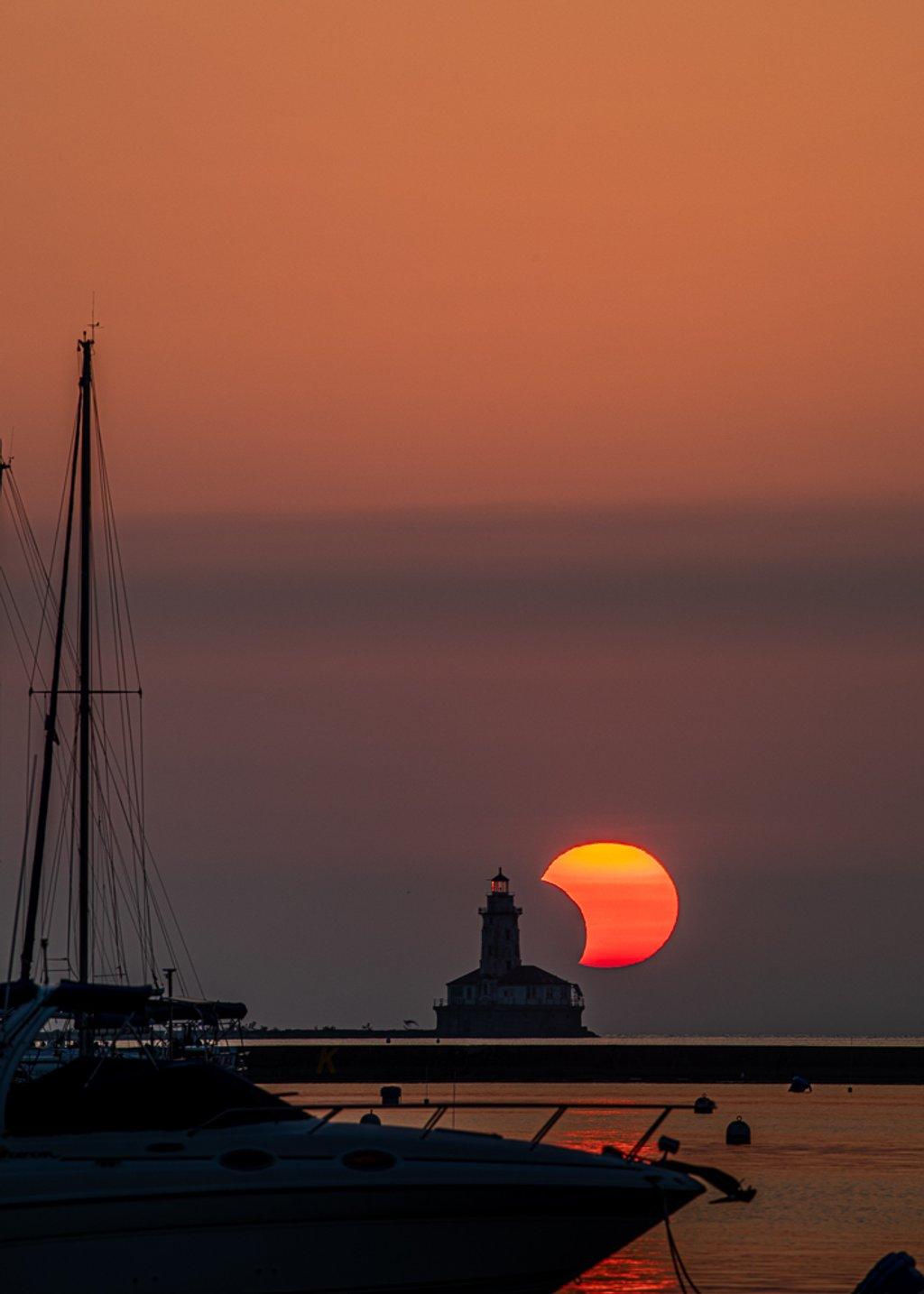 Solar Eclipse by jyokota