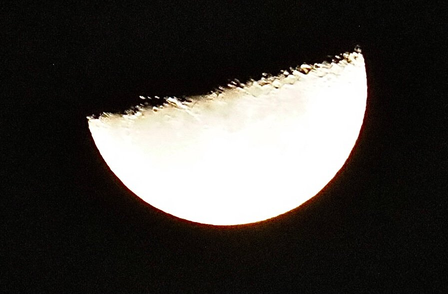 This mornings moon taken at 0130hrs  by Dawn