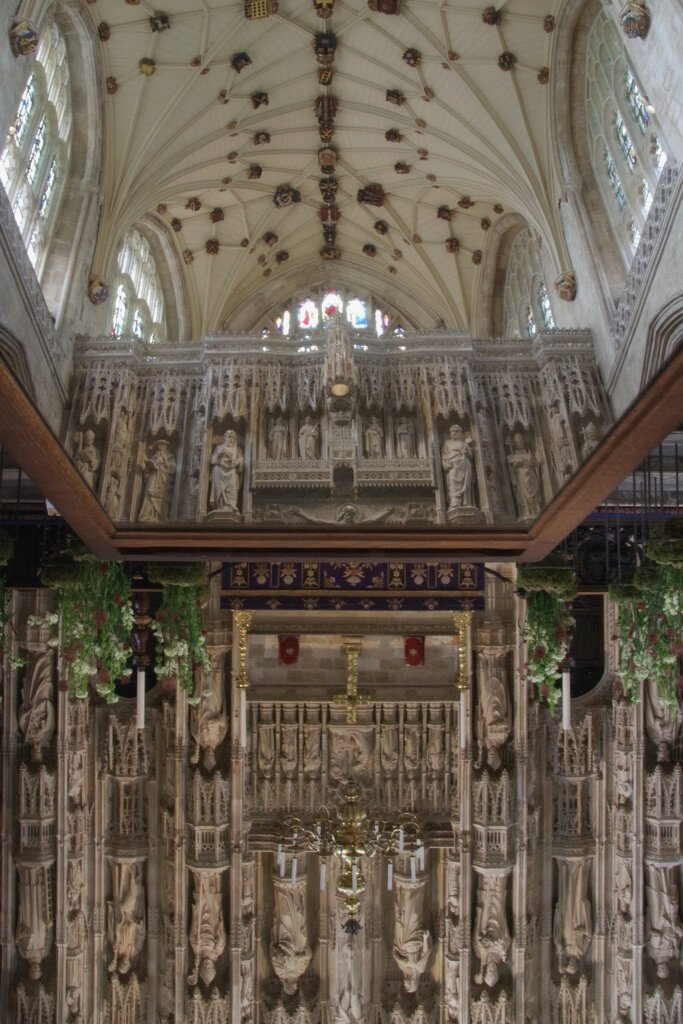 Mirrored Cathedral Ceiling and Screen  by 30pics4jackiesdiamond