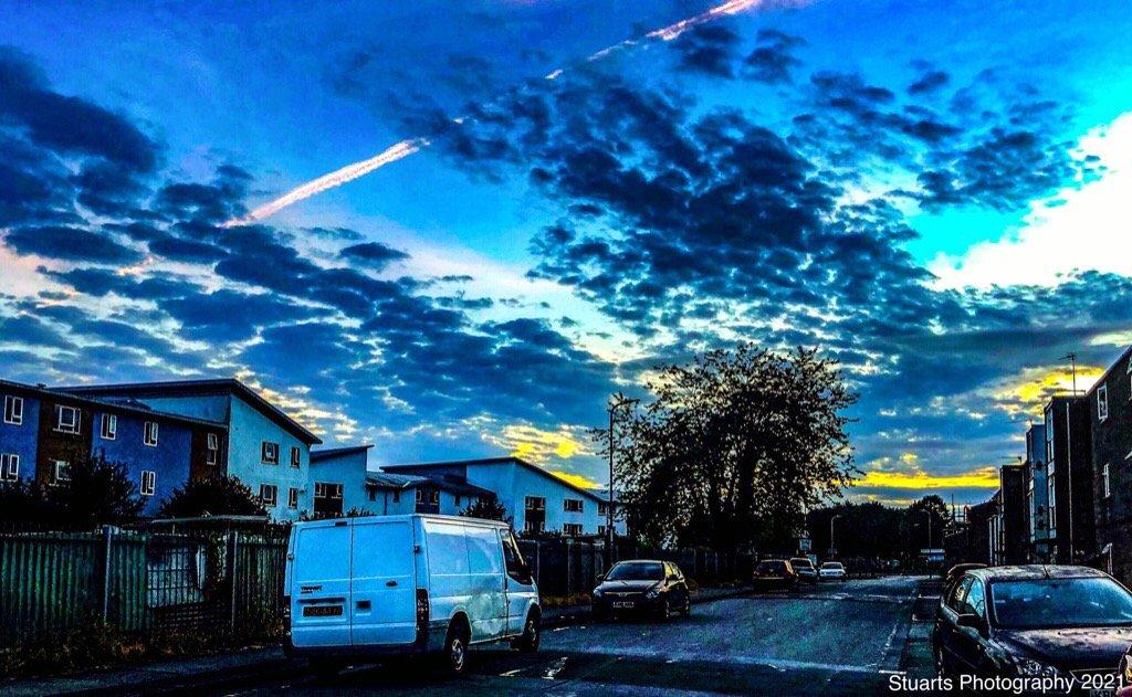 Morning sky  by stuart46