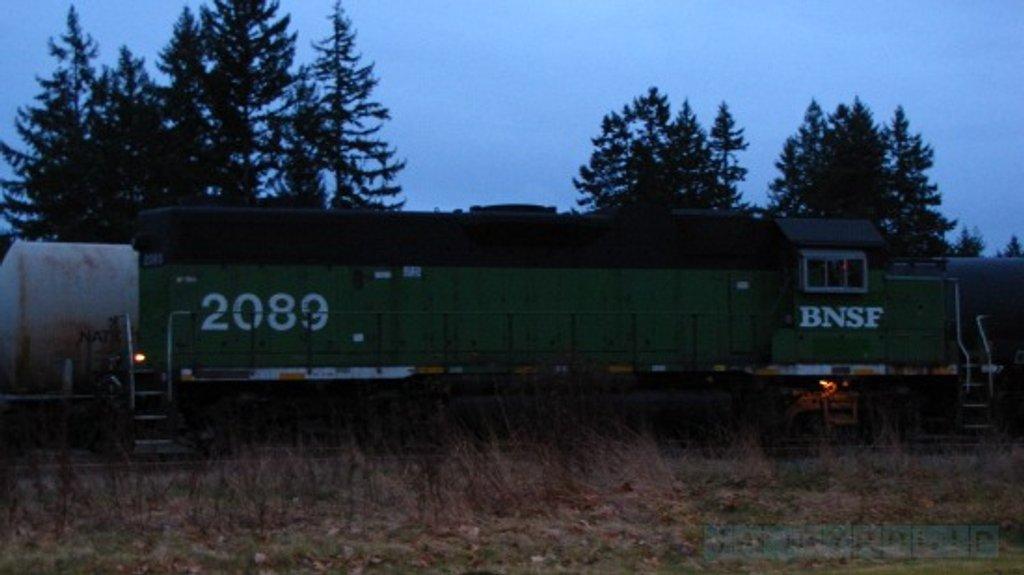 BNSF 2089 - GP38-2 by byrdlip
