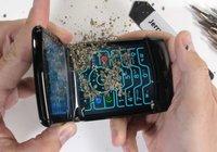Zorgen over stevigheid van opvouwbare Motorola Razr stapelen zich op