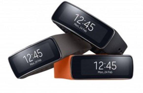 Samsung introduceert sportaccessoire Gear Fit, met gebogen scherm