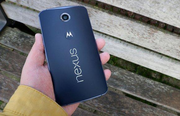 Foto's: gezwollen accu van Nexus 6 laat smartphone ontploffen