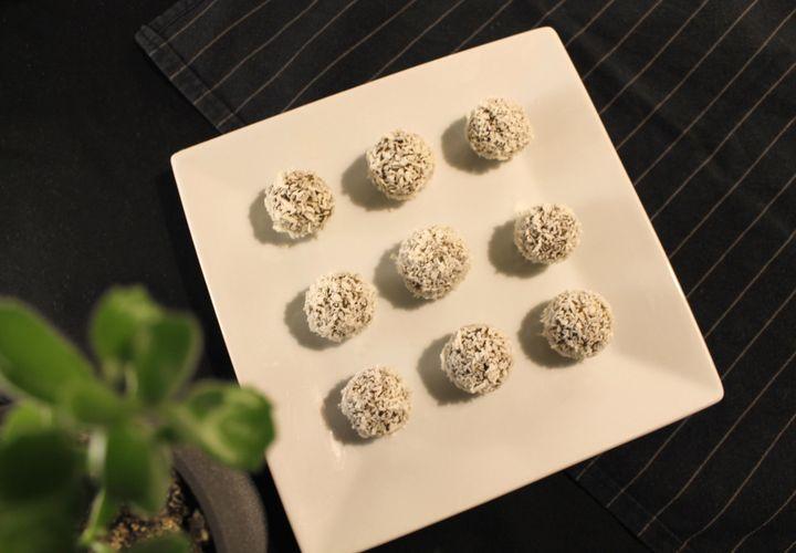 Datulių rutuliukai su kokosų drožlėmis