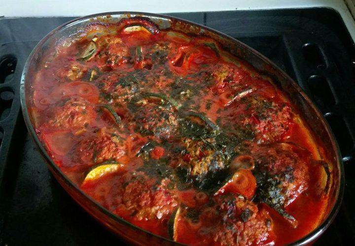 Kukuliai pomidorų padaže