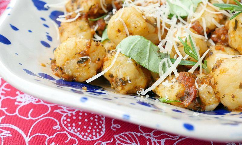 Itališki gnocchi su marinara padažu