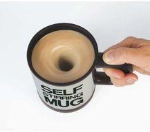 La flemme de touiller? Découvre le mug avec mélangeur automatique